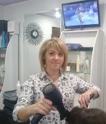 парикмахер салона красоты Fleur de Lys